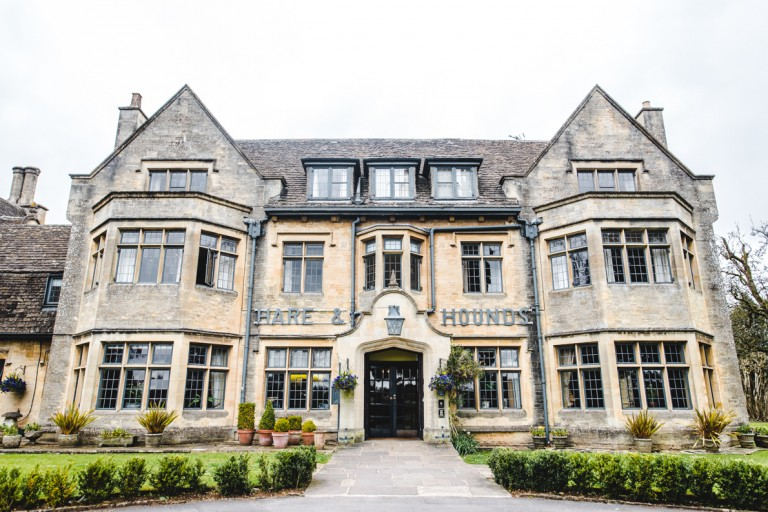 front view of the hare and hounds hotel